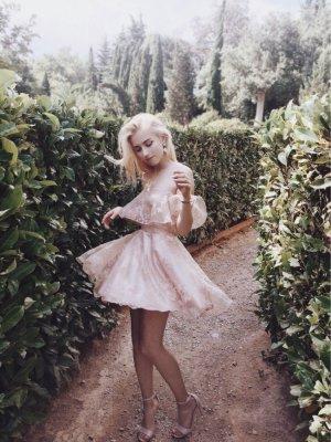 Wunderschönes Kleidchen mit Tüll