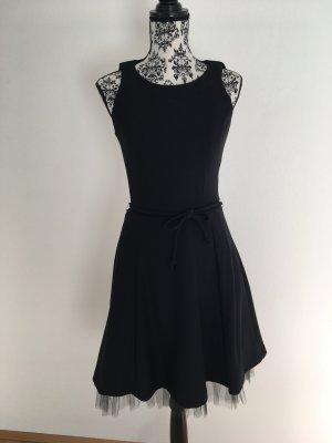 Wunderschönes kleines Schwarzes im Fifties-Style Elegant Party Petticoat