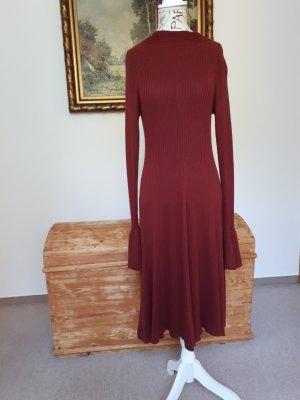 Wunderschönes modisches Kleid