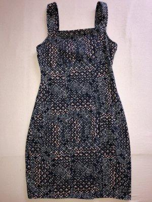 Wunderschönes neuwertiges Kleid von Hollister