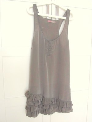 wunderschönes, olivfarbenes elegantes Kleid