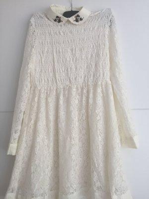 wunderschönes romantisches Kleid