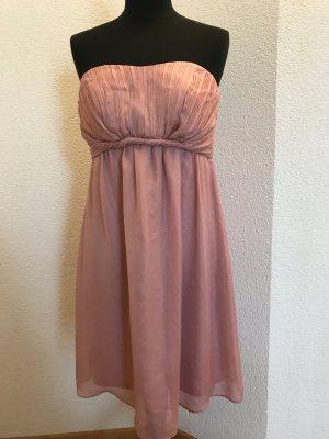 wunderschönes rosa Kleid