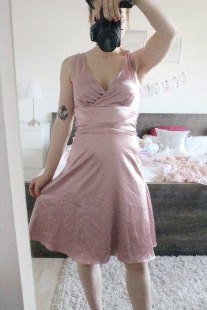 Wunderschönes Satin Kleid