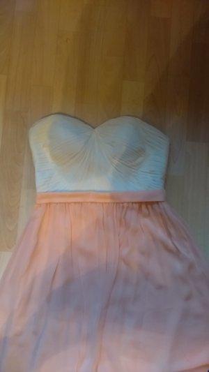 wunderschönes schulterfreies Kleid