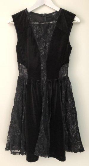 Wunderschönes schwarzes Kleid aus Samt und mit Spitzendetails (see through), Größe: 36, ASOS