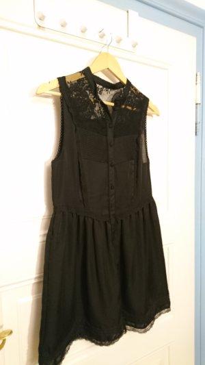 Wunderschönes schwarzes Kleid mit Spitze