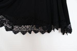 Wunderschönes schwarzes Sommerkleid von Urban Outfitters