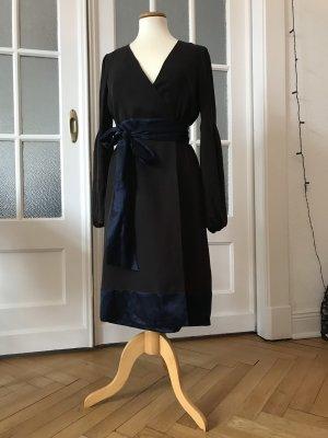 Marc Aurel Vestido cruzado marrón oscuro-azul oscuro Seda