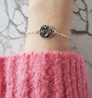 Wunderschönes silberfarbenes Glieder Armband mit anthrazitfarbenem Stein