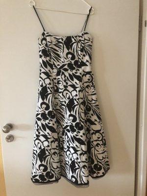 Wunderschönes Sixth Sense Kleid zu verkaufen