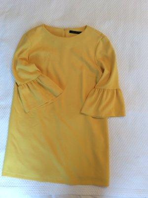 Wunderschönes Sommerkleid aus der aktuellen Zarakollektion