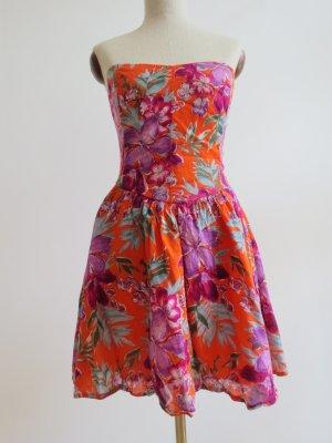 Wunderschönes Sommerkleid mit Blumenmuster Flowerprint