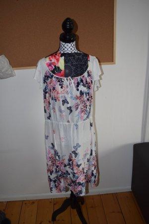 Wunderschönes sommerliches Kleid