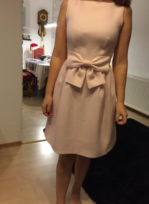 Wunderschönes Ted Baker Kleid