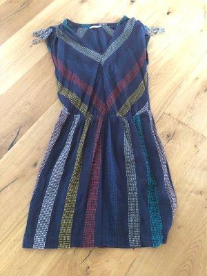 Wunderschönes trägerloses Kleid