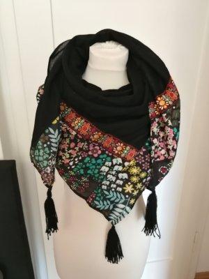 Wunderschönes Tuch mit Muster