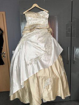 Bruidsjurk room-beige