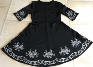 Empire Dress black-white