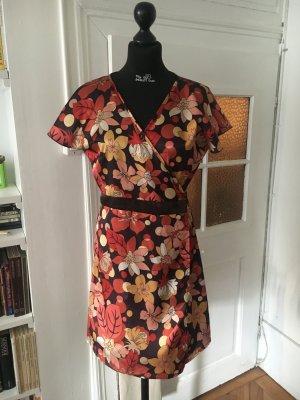 Wunderschönes Vintage Wickelkleid von Vila für den Sommer