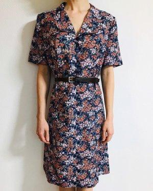 Wunderschönes Vintagekleid mit Kragen und Blümchenmuster