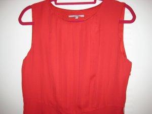 Wunderschönes weichfliessendes rotes Kleid