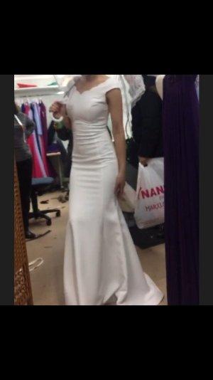 Wunderschönes weißes Abend( Standes)-Kleid.