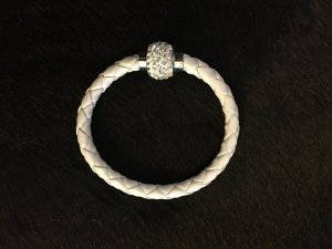 wunderschönes weißes Flecht Armband mit Glitzerverschluss