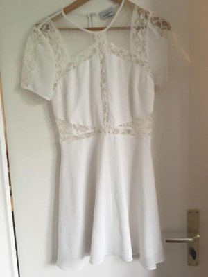 Wunderschönes weißes Spitzenkleid Gr. 36