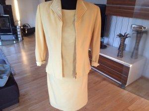 Wunderschönes zart gelbes Escada Kleid mit Jacke (Größe 38)