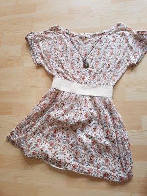 Wunderschönes, zartes Sommerkleid