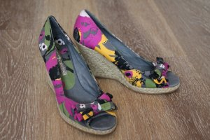 Wundervolle Sandalen mit Keilabsatz, Peeptoe und Schleife Buffalo / 1x getragen