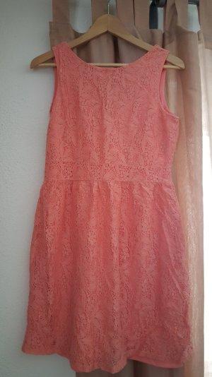 Wundervolles Kleid in Pfirsich