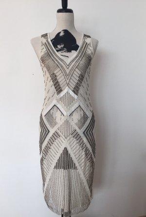 Wundervolles weißes, perlenbesticktes Kleid