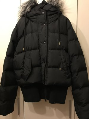 XL schwarze Winterjacke von marceckō Daunenjacke