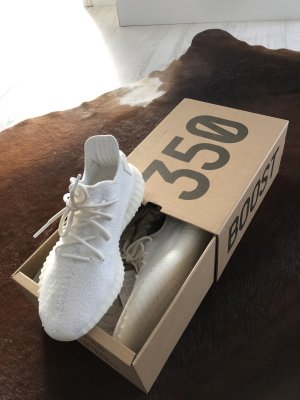 "Yeezy Boost 350 V2 ""triple white"" gr. 42 / US 8 1/2"