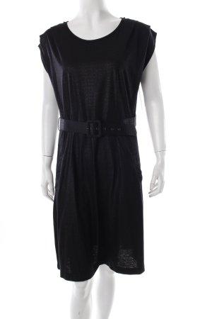 Yera Kleid schwarz schlichter Stil