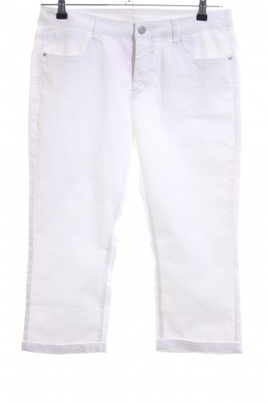 Yessica Capris white casual look