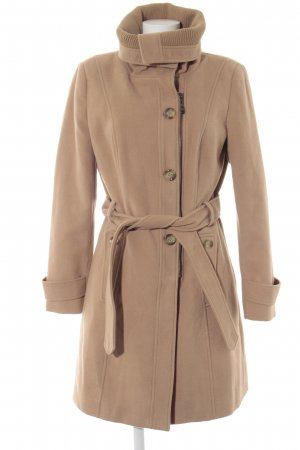 Yessica Between-Seasons-Coat camel casual look