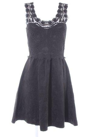 yfl RESERVED Kurzarmkleid schwarz Elegant