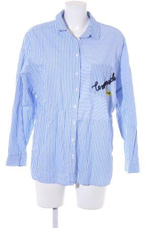 yfl RESERVED Langarm-Bluse kornblumenblau-weiß Schriftzug gestickt Casual-Look