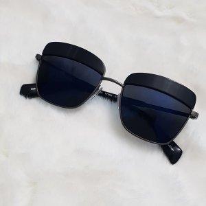 Yohji Yamamoto Occhiale da sole spigoloso nero