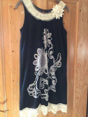 Yumi Kleid mit Blüten