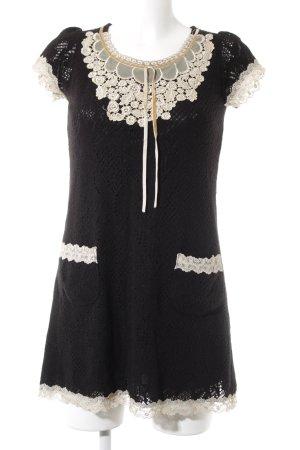 Yumi Kurzarmkleid schwarz-beige Lochstrickmuster Romantik-Look