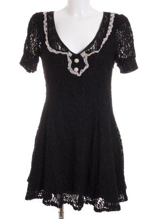 Yumi Kurzarmkleid schwarz-weiß Romantik-Look