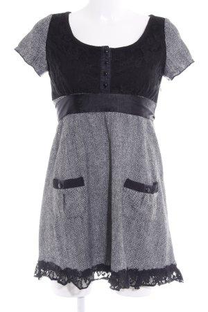 Yumi Kurzarmkleid schwarz-weiß Steppmuster Vintage-Look