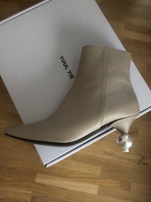 YUUL YIE pearl boot Gr. 38