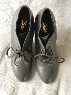 Yves Saint Laurent High Heels in dunkelgrau