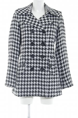 Zabaione Heavy Pea Coat black-white houndstooth pattern casual look