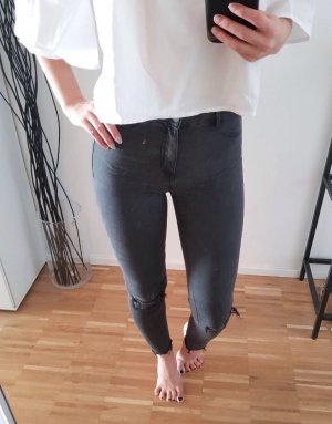 Zara 34 XS High Waist Jeans Grau Ripped Fransen Destroyed L30 Ankle Skinny